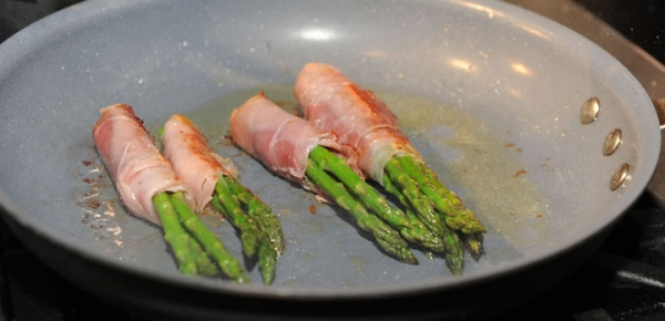 The prosciutto wrapped around asparagus and stuffed it with the Camembert cheese